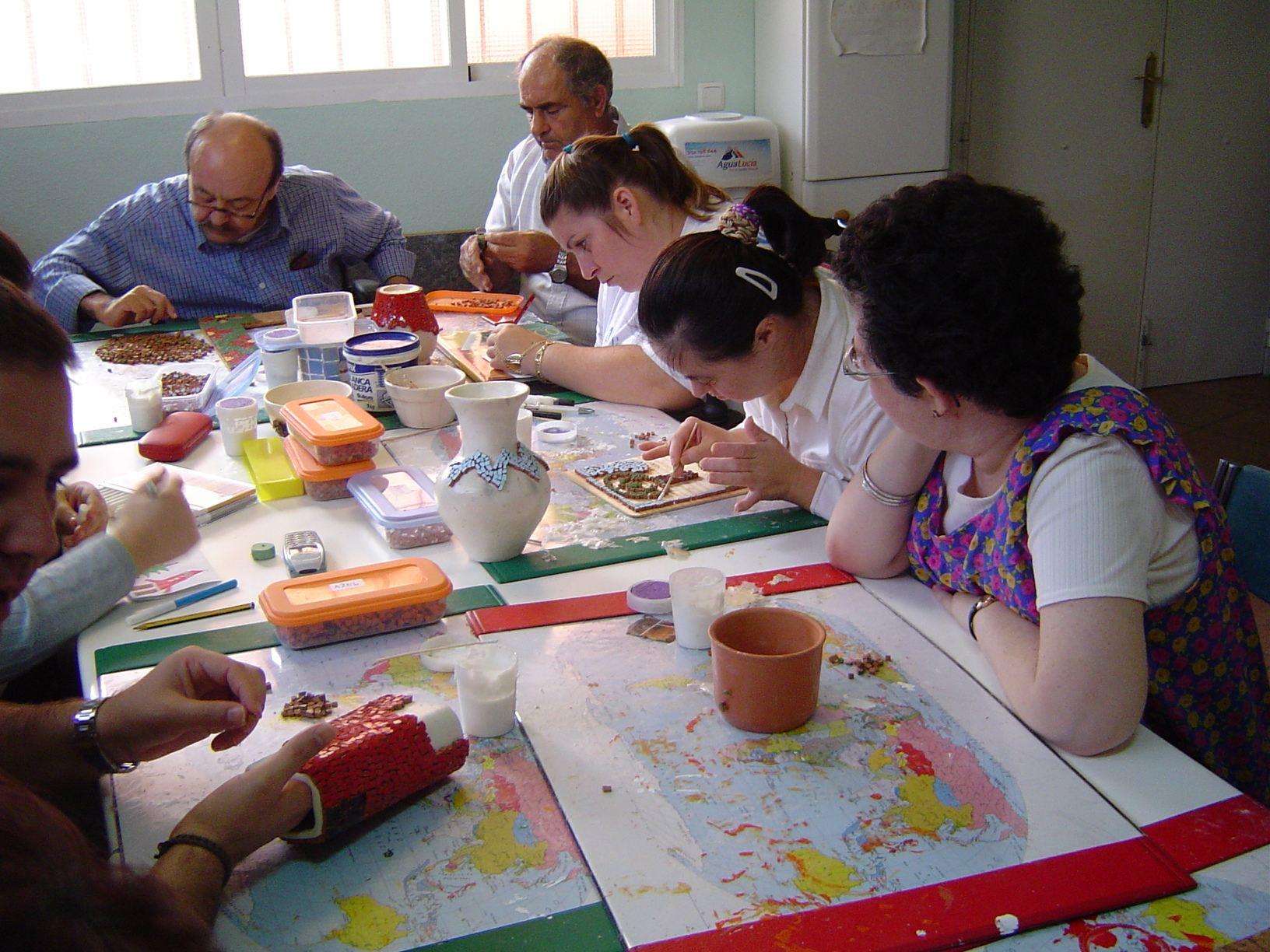Fundaci n afim actividad - Talleres manualidades para adultos ...