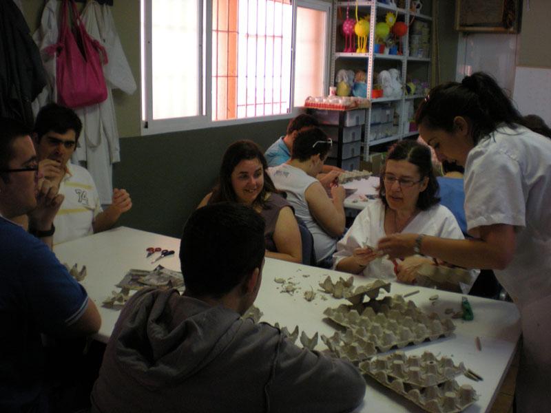 Actividades Fundación AFIM: TALLER DE HUEVERAS