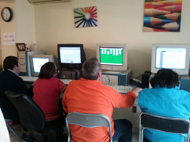 Actividades Fundación AFIM: TALLER DE INFORMÁTICA