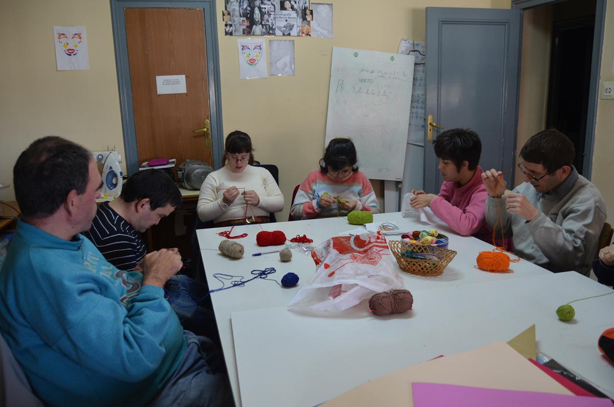 Actividades Fundación AFIM: TALLER DE COSTURA, LANA, HILO Y OTRAS TÉCNICAS